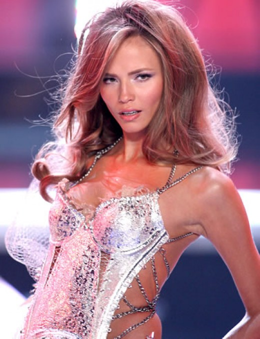 5 Hot Russian Women Who Dominate the Modeling Industry ... Natasha Poly Victorias Secret