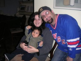 Ross threw on whatever NY sports wear he could find to rally for NY over the Patriots in Super Bowl XLII.That's Ross' sister and nephew.