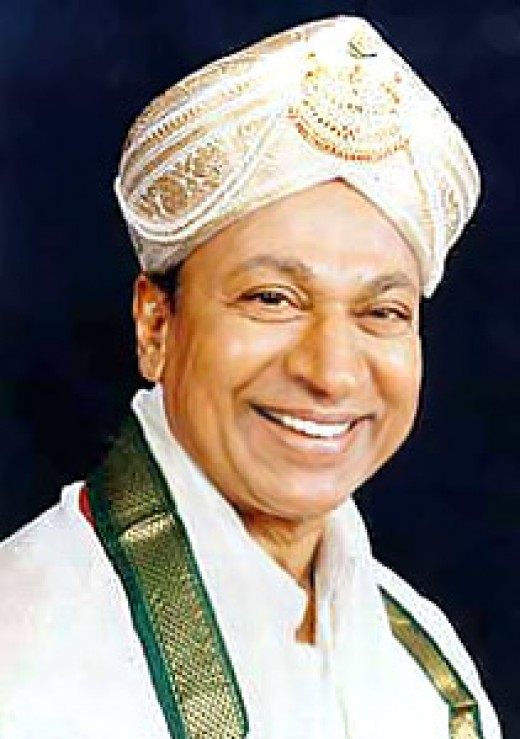 Dr.Raj Kumar-With traditional Mysore turban,at one of the numerous facilitations functions he attended in his life time