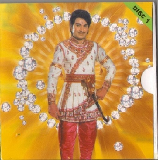 Raj kumar,as hero in one of his best films-Mayra, as King Mayura varma