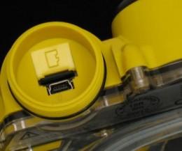 Micro SD slot.  Photo:  www.cutebitz.com