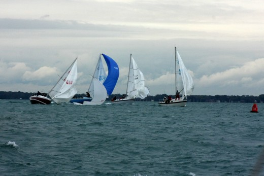 Cal 25s catch a puff, BYC N. Channel Race, 2009 deedsphoto