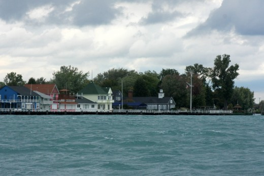 The Old Club, St. Clair River South Channel cutoff, BYC N. Channel Race 2009 deedsphoto