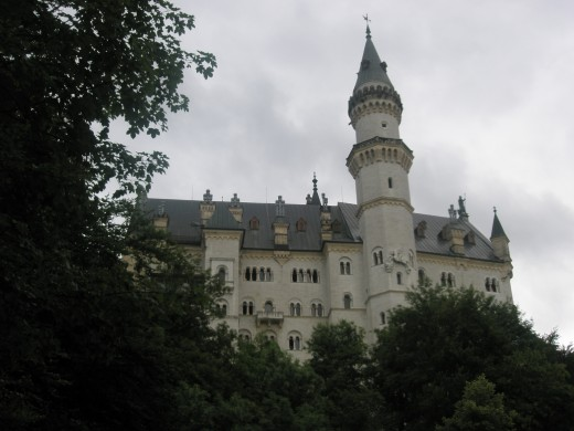 The land owners lived in a hundreds of castles around Slovakia. Many of them have been arrested and migrated abroad during the communist rule. Today the majority of casles is in ruin, some have been sold to foreigners.