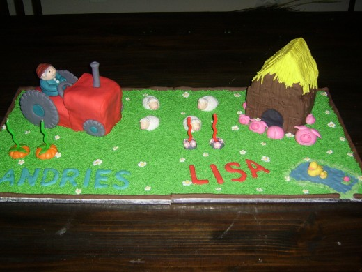 Cakes for twins - fondant border across two cake boards