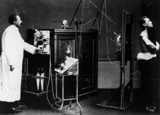 An X-ray system from the pioneering days   Source: imaginis.com