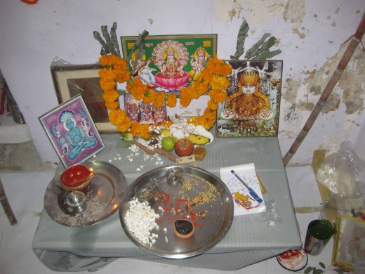 Diwali Pujan  Both Jain and Hindu Gods