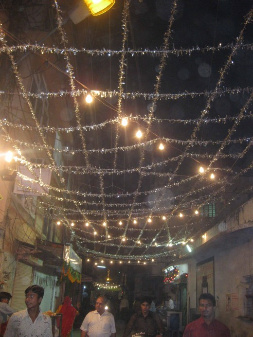 Street lighting on Diwali MSB Ka Rasta, Johri Bazar, Jaipur