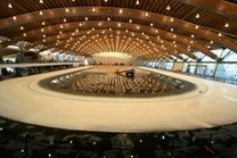 The Richmond Olympic Oval shows the expanse of ice under an elaborate lighting system      (courtesy VANOC)