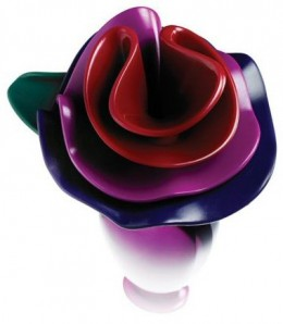 Marc Jacobs Lola's personality is only as extreme as the colorful, playful flowers atop the bottle.