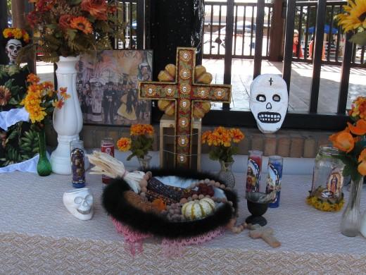 A family Dia de los Muertos display.