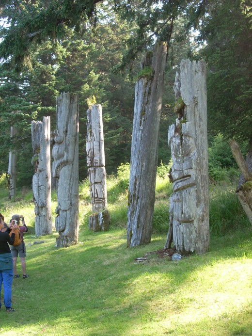 SGang Gwaay's mortuary totem poles