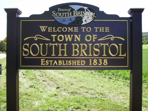 South Bristol New York is a newer town and, as you will see from the next photo, really hasn't had the growth spurt that its neighbor to the north, Cheshire, has enjoyed.  But South Bristol has a quiet beauty all its own.