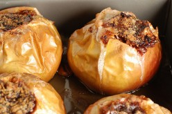 Cinnamon Baked Apples; 2 Very Easy Recipes for a Delicious Winter Dessert
