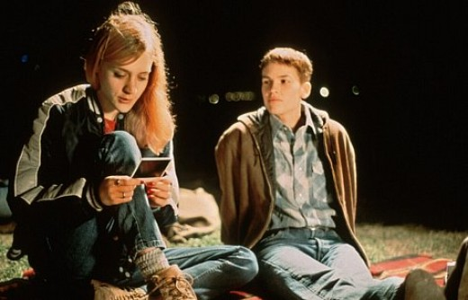 Lana (Chloe Sevigny) left, Brandon (Hilary Swank) right.