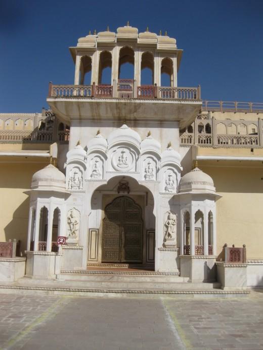 Entrance, Hawamahal