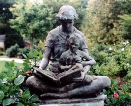 Mom teaches child to read. Image by L. Emerson (http://www.sxc.hu/profile/bluedaisy)