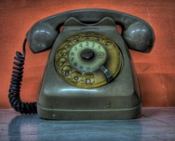 How to Pull Off a Good Prank Phone Call
