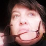 Zsuzsy Bee profile image