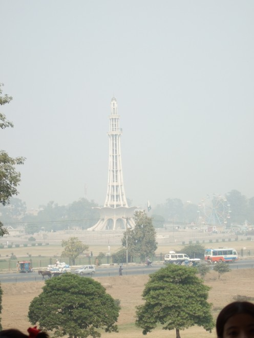The Minar-e-Pakistan seen from Badshahi Mosque, Lahore