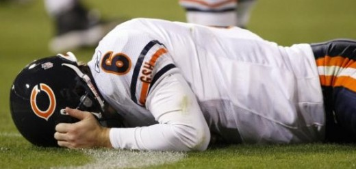Chicago Bears quarterback Jay Cutler reacts after throwing an incomplete pass in the fourth quarter of an NFL football game against the San Francisco 49ers in San Francisco, Thursday, Nov. 12, 2009. The 49ers won 10-6. (AP Photo/Marcio Jose Sanchez)