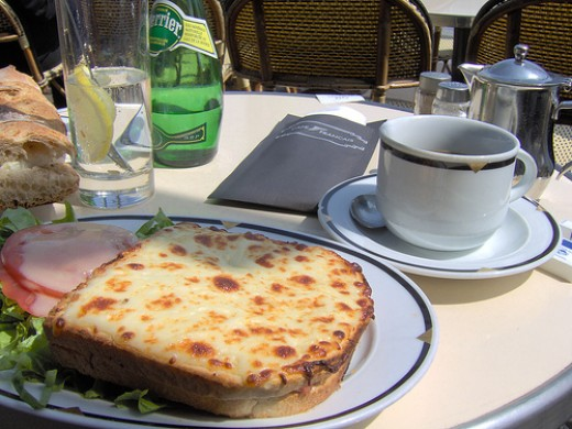 Croque monsieur http://www.flickr.com/photos/beebee/143360337/