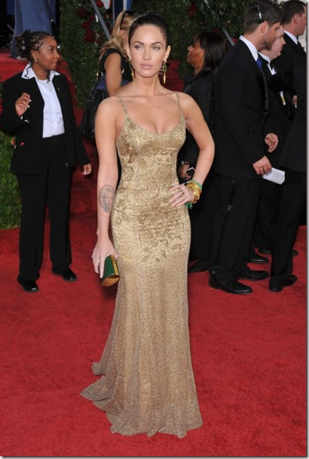 Amy Adams wearing Oscar de la Renta black strapless tulle ballgown for the 2009 Golden Globe