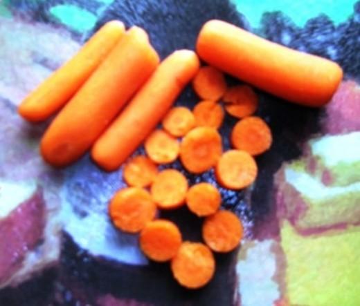sliced carrots, Bob Ewing photo