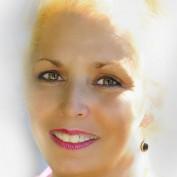 Lisa Luv profile image