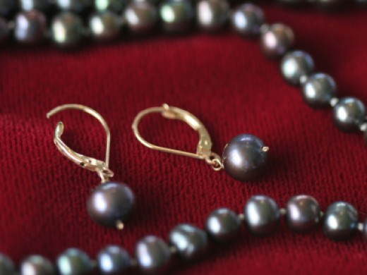 Black Pearl Earrings are a beautiful and versatile addition to your jewelry.