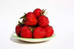 STRAWBERRIES AND OTHER BERRIES ARE ALL GOOD SOURCES OF DIETARY