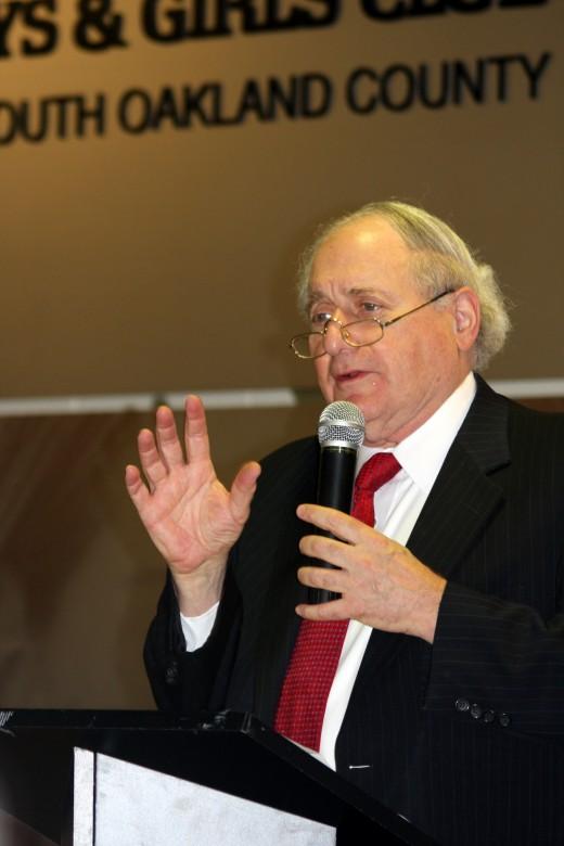 U.S. Senator Carl Levin (Community TownHall 2008)   deedsphoto