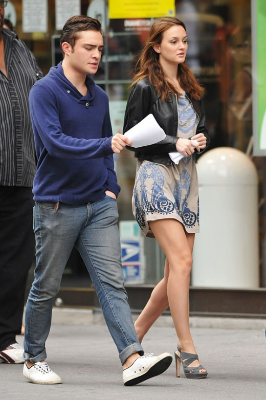Leighton Meester in high heels on the set of Gossip Girl