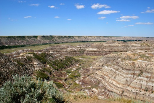 The Alberta badlands, Dinosaur Provincial Park -- a World Heritage site, famed for it's fossil riches and worked by the Royal Tyrell Museum -- a fabulous museum of paleontology in Drumheller.