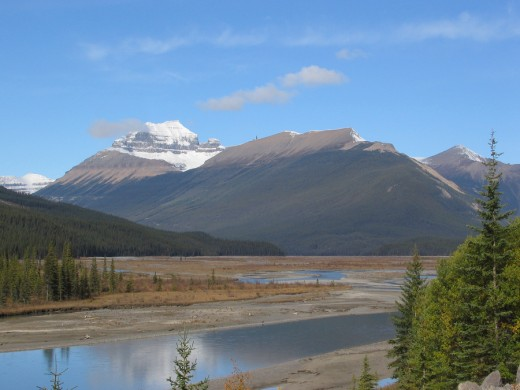 Mount Saskatchewan (in Alberta)