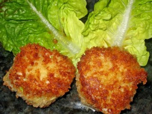 If you have asked yourself what is the worlds best recipe for crab cakes then here it is for you.