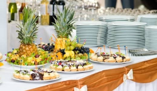 Different styles of table setting