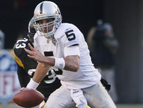 Bruce Gradkowski scrambles against the Pittsburgh Steelers in the NFLfootball game in Pittsburgh, Sunday, Dec. 6, 2009. The Raiders came from behind to win 27-24. (AP Photo/Keith Srakocic)