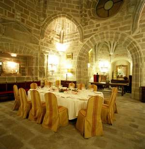 Yes you can dine in a room like this!