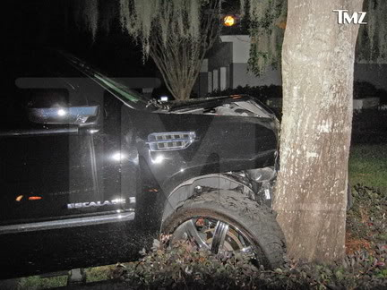 TMZ photo of Tiger Woods SUV.