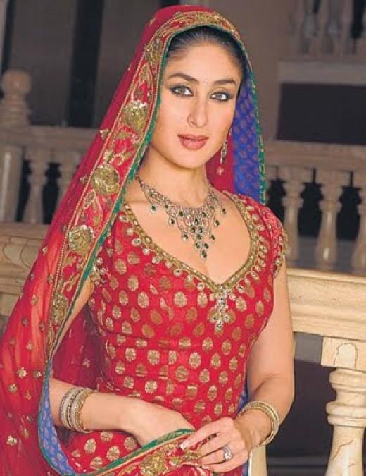Kareena Kapoor - Gold Jewelry