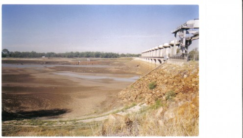 Another photo of dam - where has all the water gone?