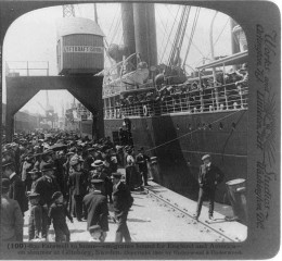 Picture of immigrants ready to leave for a new land public domain in U.S.