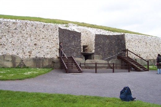 Entrance way to Newgrange