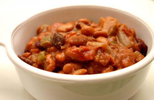 smoky vegetarian chili with cocoa powder