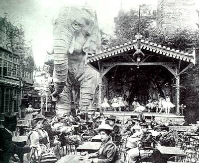 The Elephant at the back of the Moulin Rouge circa 1899
