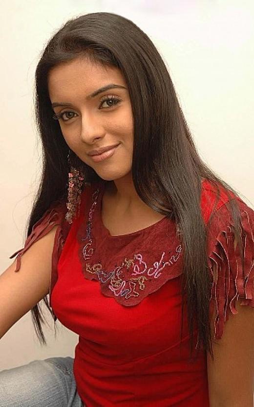 Mallu Star actress Asin