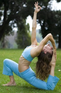 Outdoor Yoga Exercises and Its Benefits