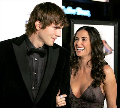Demi Moore and Ashton Kutcher, 15 years age difference