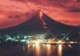 Mayon during eruption (skycrapercity.com)
